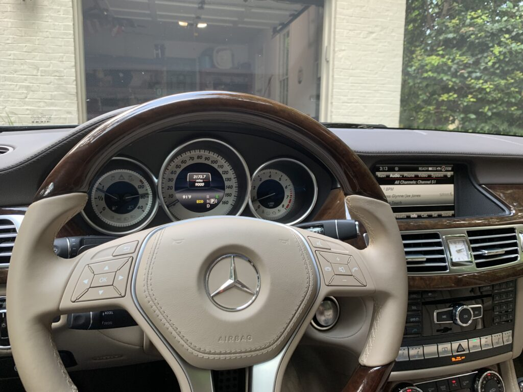Original Screen on the CLS 2011-2014
